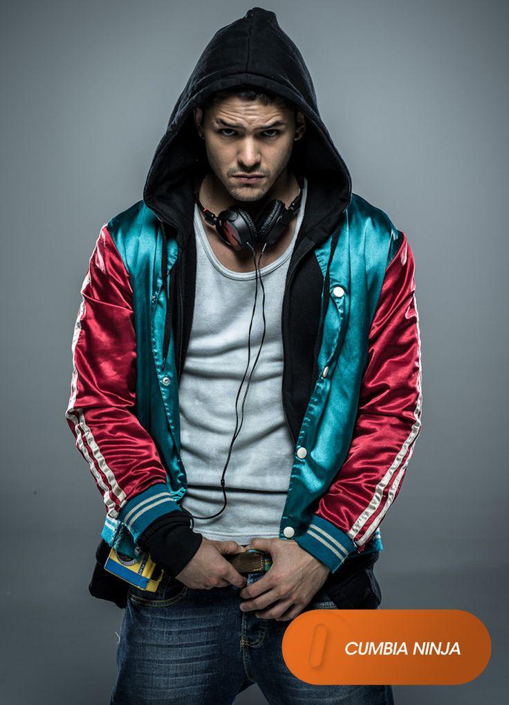 """Ricardo Abarca es """"Hache"""". Cumbia Ninja - Estreno, en septiembre. #CumbiaNinja Mira contenido exclusivo en www.foxplay.com"""