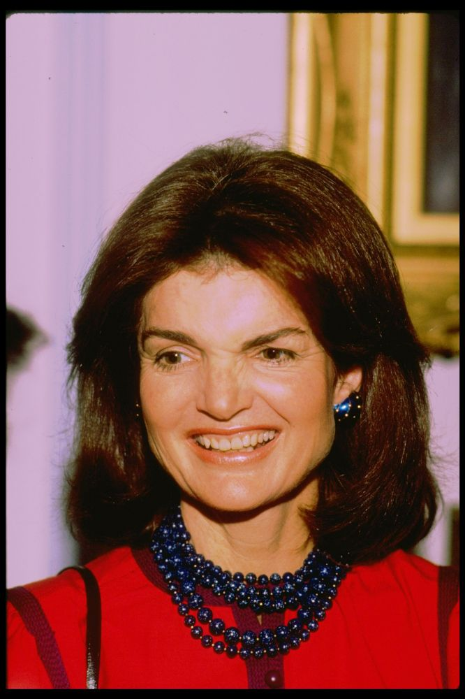 jacqueline bouvier kennedy onassis essay Jacqueline lee jackie kennedy onassis (née bouvier / ˈ b uː v i eɪ / july 28, 1929 – may 19, 1994) was the wife of the 35th president of the united states.