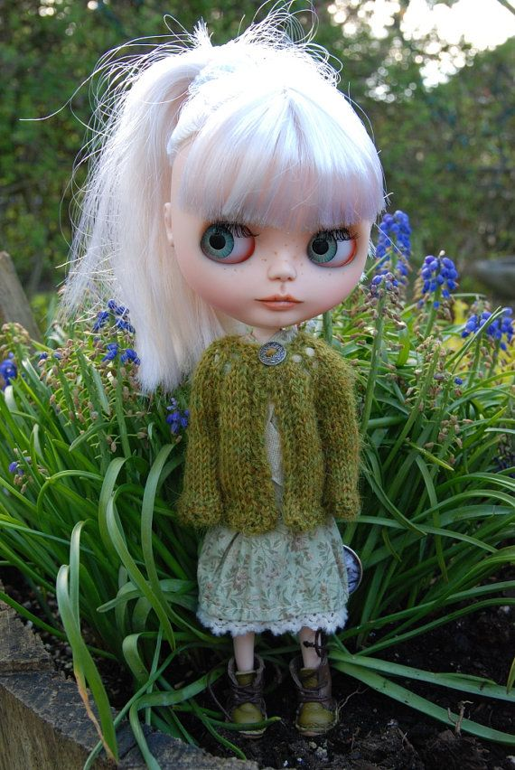 Blythe Doll Knitted Alpaca Cardigan Heathered Moss Green