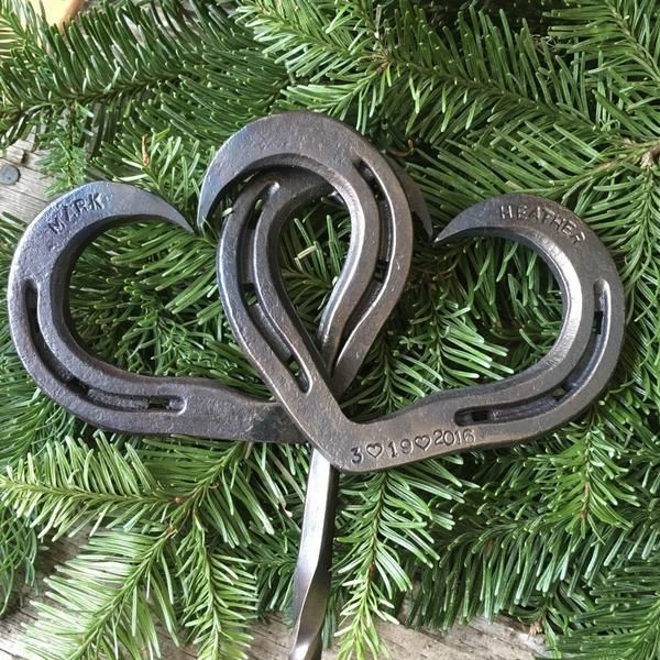 perfect cake topper for a country wedding! Real horseshoes & personalized!