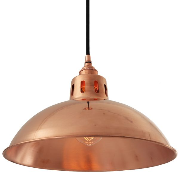 The Mullan Berlin Vintage Copper Pendant Light was designed and manufactured in Ireland. It is ideal for use in modern and traditional interiors alike.