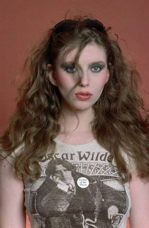 Bebe Buell looking amazing, 1970s.