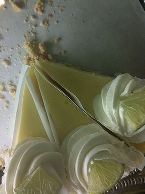 How to Make Cheesecake Factory Key Lime Cheesecake http://www.copycatrecipeguide.com/How_to_Make_Cheesecake_Factory_Key_Lime_Cheesecake