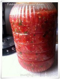 Yaaren Abla'dan nefis bir tursu tarifi :) ellerine saglık diyoruz. 1 kg. domates…