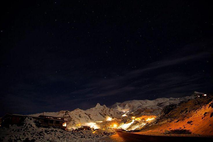 Amazing night time shot of Mount Ruapehu by Martyn Davies: pic.twitter.com/6AqxYBHfXC
