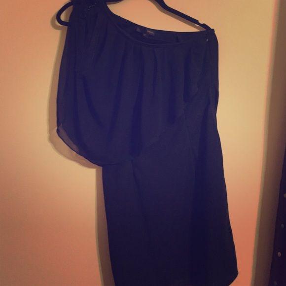 Reduced   bodycon one shoulder dress Lo❤️posh beautiful one shoulder dress. NWOT Lo posh Dresses One Shoulder