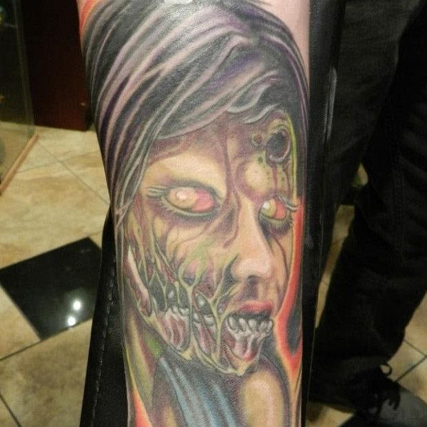 15 Must-see Zombie Girl Tattoos Pins