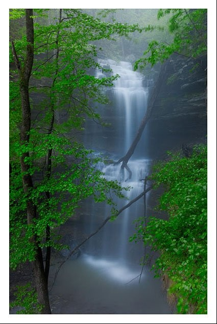 #Piney Falls, AR- how beautiful....must visit one day Travel Arkansas USA multicityworldtravel.com We cover the world over 220 countries, 26 languages and 120 currencies Hotel and Flight deals.guarantee the best price