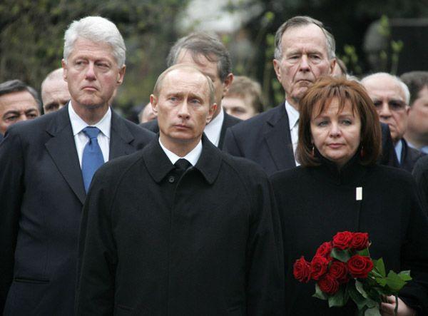 путин на похоронах бориса ельцина