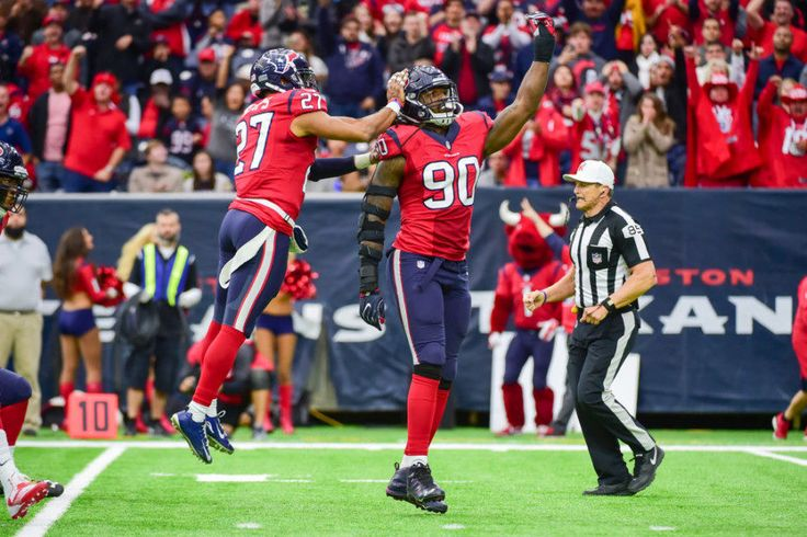 Jadeveon Clowney finally living up to lofty draft status = The Houston Texans expected instant impact from Jadeveon Clowney. That's only natural when a team takes a player with the No. 1 overall pick. Unfortunately, the Texans didn't see nearly as much as.....