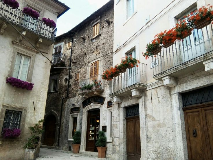 Picturesque corners in the town of Scanno