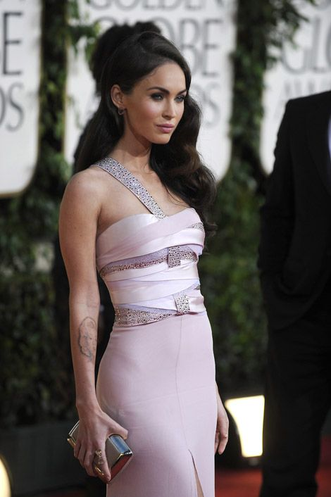 Of course Megan Fox looks great in soft pink...  Megan Fox Armani Prive - Golden Globes 2011