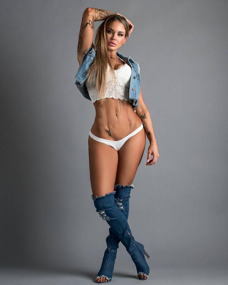 Melissa Mora Nude