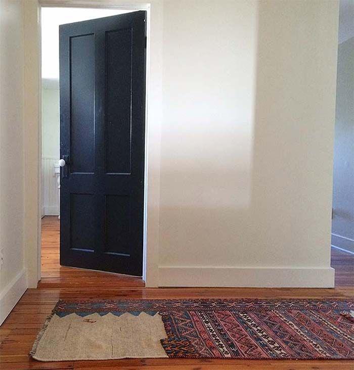 Just Let Go: 5 Decor Worries to Abandon Comment raccommoder un tapis abîmé.