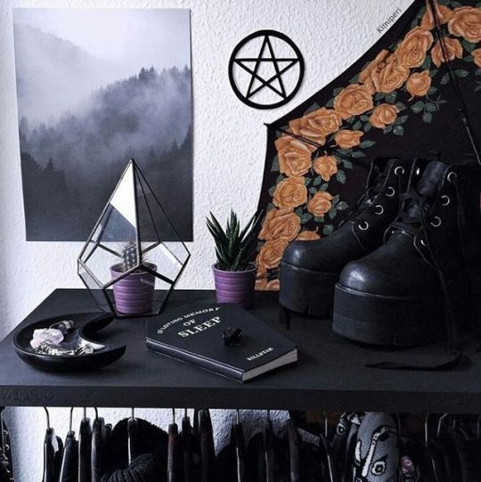 Versace Bedroom Sets Gothic Bedroom Accessories Bedroom Themes Bedroom Xmas Lights: 331 Best Haunted House: Teen Goth Decor Images On