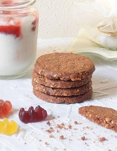 Biscotti integrali al cacao e avena…cioccolato e nocciole