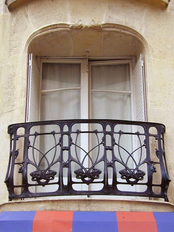 Balcony Design From Antiquity