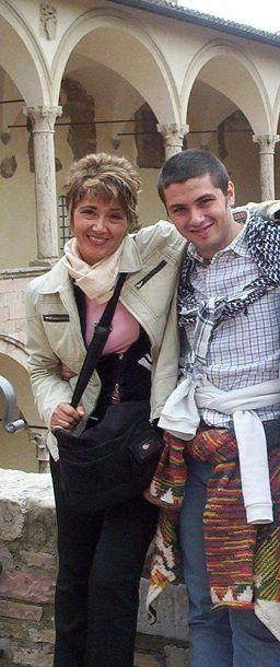 Avrebbe compiuto trentuno anni il 30 novembre. Ma Fabrizio Catalano a casa, a Collegno, con la sua famiglia, mercoledì non c'era. Manca da undici anni. La sua storia, quella nota, finisce qui, in Umbria, ad Assisi.