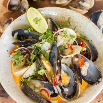 Tom Yum Soup with Mussels, Clams and Noodles