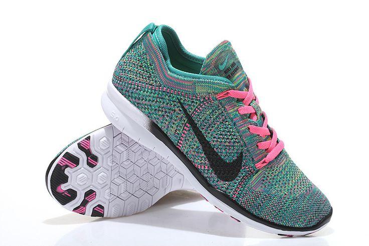 http://www.saifqatar.com/Nike-Free-Tr-Flyknit-Grønn---treningssko-8357/   er en treningssko som kombinerer Nike's Flyknit kostruksjon med god stabilitet i hæl og pustende materiale!  Produktegenskaper: