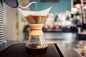 ESTRAZIONE CON CHEMEX- I filtri per il caffè con metodo Chemex sono più spessi rispetto ai normali filtri per caffè americano, in modo che il caffè scenda più lentamente.SCOPRI I DETTAGLI
