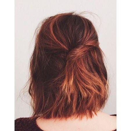 Coiffure simple cheveux mi longs