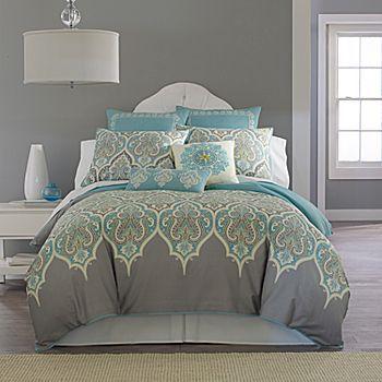 Me gusta la forma del respaldo de la cama y la lampara a lado , me gusta el contraste de colores.. se me hace muy nitido