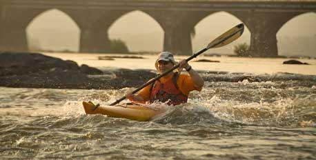 Kayaking on the Susquehanna River near Harrisburg. Photo credit © Miguel Angel de la Cueva/iLCP