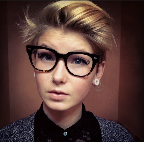 short hairstyles with glasses : Get Short Hair Teen With Glasses Pictures And Photos - Backsexy.Com