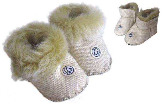 Mit+diesem+Schnittmuster+kannst+du+für+dein+Kind+warme,+kleine+Fellpuschen+selber+nähen+und+individuell+verzieren.  Webpelz,+Lammfell,+Kaninchenfell,+dicker+Fleecestoff,+weiches+Leder+-+wie+sollen+die+Schuhe+aussehen?+Wie+warm+sollen+sie+sein?+Viele+Materialien+sind+möglich. Die+vielen,+dichten+Fellhäarchen+schützen+die+kleinen+Füsse+vor+Wind+und+Kälte+und+geben+als+weiche+Polsterung+Halt. Diese+Schühchen+werden+mit+Klettverschluss+geschlossen.+Der+Rand+kann+umgeschlagen+werden.