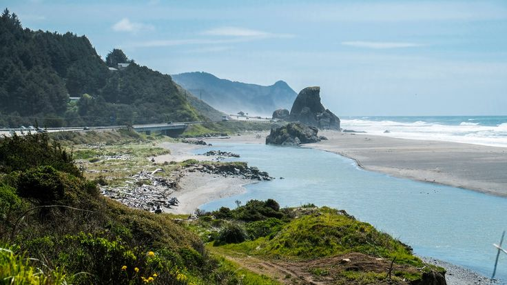 Gold Beach | Discover the unfettered beauty and charm of the Oregon Coast on this road trip vacation of a lifetime