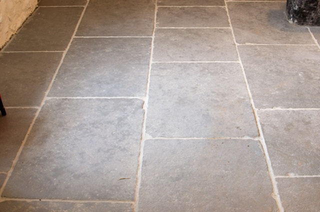 A good demonstration of the free length design in the Worn Grey Limestone.