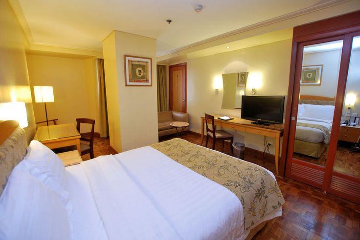 City Garden Hotel Makati (Makati, Philippines) | Wotif.com.au