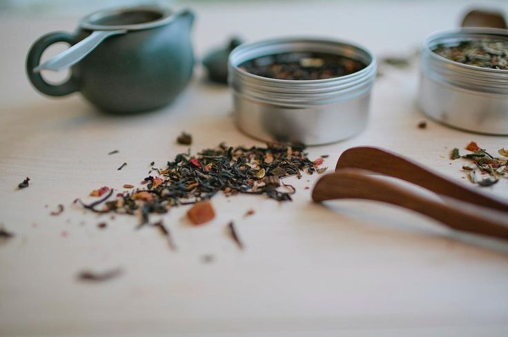 East meets West . Our take on how in the world of tea the East meets the West through blends. . Our Chardonnay Tea a wine-inspired tea a western beverage created with Oolong an Eastern tea varietal as a base.