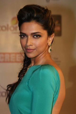 VBA Beauty Blog #4: 5 Red carpet worthy makeup tips | Vogue INDIA