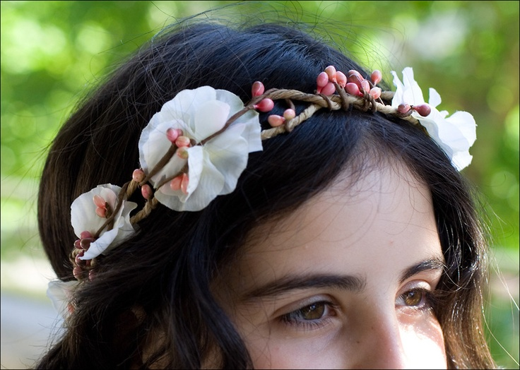 Sweet pea floral crown: ivory and pink