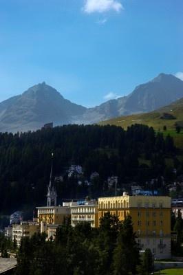 #Trekking & #SPA: il relax è attivo  tra i sentieri delle #Alpi svizzere