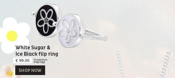 Voor onze zwart/wit liefhebbers, net zoals eigenaresse Helen natuurlijk ook buiten de kleuren uitvoeringen een zwart/wit combi.  Prachtig vormgegeven, met de hand afgewerkt zilver met gestileerde madeliefjes motief. De ene zijde zwart en de andere zijde wit. Met andere woorde een dubbelzijdige flip ring. Dat betekent dus : 2 looks in 1.  Reserveer nu jouw exclusieve ring : info@ifmheemstede.nl  http://conta.cc/1ZMLKZ1
