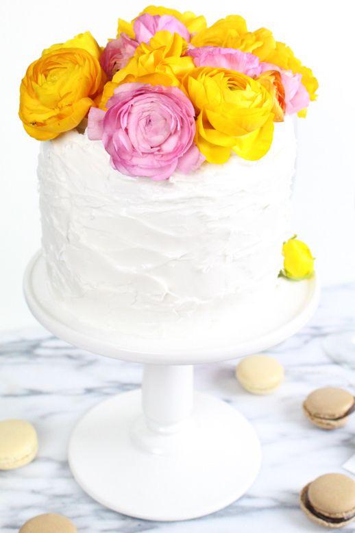 DIY fresh flower cake topper by Sugar & Cloth