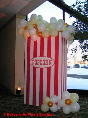 popcorn decorations | Popcorn Box with balloon popcorn.