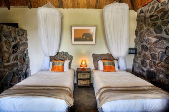 Twin Room at Thamalakane River Lodge (Maun, Botswana)