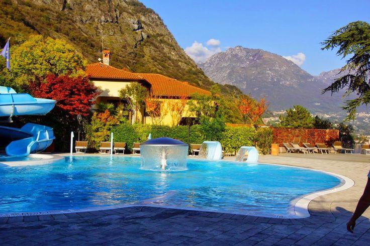 Es wird Herbst am Fun Pool. Nun ist es morgens und abends angenehmer im warmen SPA. Eingang neben der Rezeption.