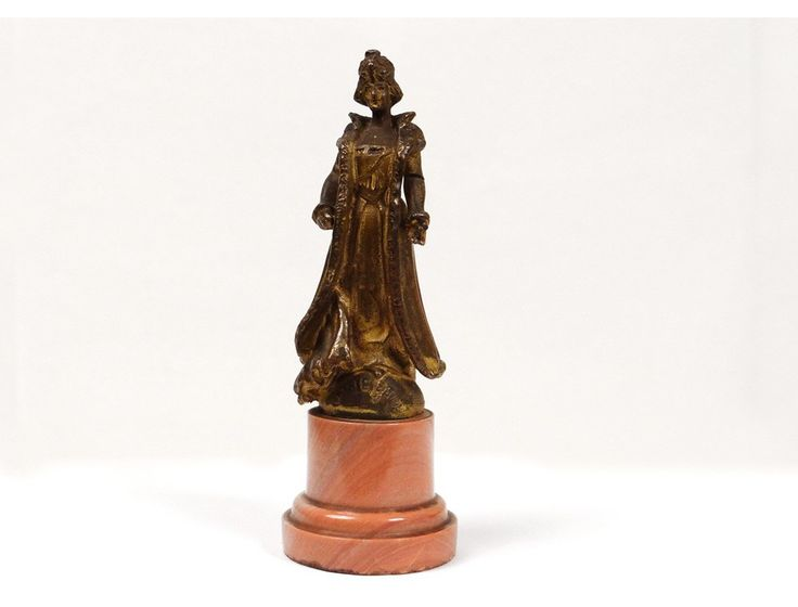 Moreau-Vauthier La Parisienne simbolo dell'eleganza del nuovo stile  moderno, con abito scollato e mantello da sera.