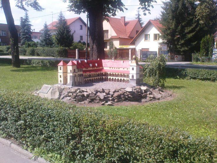 miniatura zamku w Suchej Beskidzkiej #Sucha #Beskidzka #zamek #Tarnowskich #Polska #małopolskie #powiat #suski #Beskidy #Poland #mały #Wawel