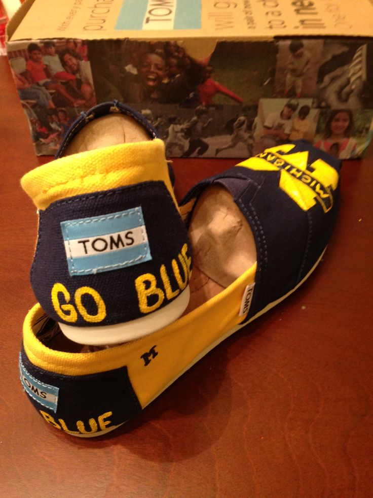 How about these custom-painted #UMich Toms?