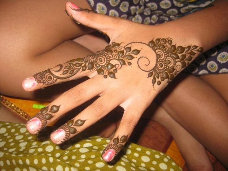Cute Henna Designs for Eid
