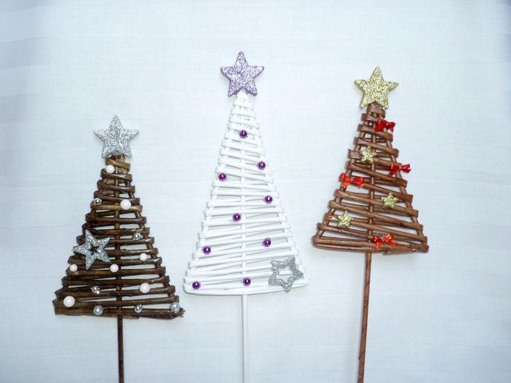 zápich - vánoční stromeček pletený z papíru