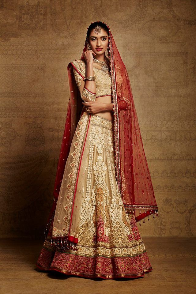 A Timeless Tarun Tahiliani Bridal Lehenga Indian Wedding Bride Lengha Red And Gold Designer