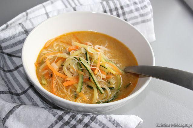 Kristins Middagstips: Asiatisk grønnsakssuppe med kokosmelk og glassnudl...