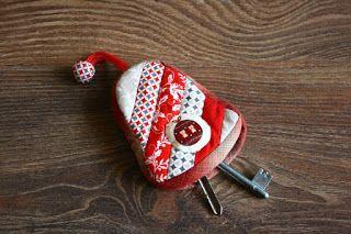 Szilvi foltvarró blogja: Csengő alakú kulcsartó